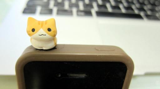 cat-earphone-jack2.jpg